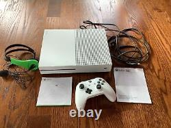 Microsoft 1681 Xbox One S Console controller and Head Set GOOD CONDITION