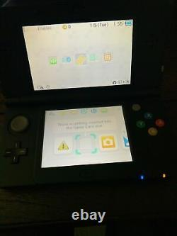 New Nintendo 3DS 4GB Black Handheld Console Very Good Condition + Games