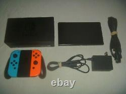 Nintendo Switch 32GB Neon Blue Red Joy-Con Set System Console Good Condition