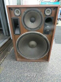 SANSUI SP7500X 4-Way 5 Speaker System Very Good Condition Local Pick-Up Only