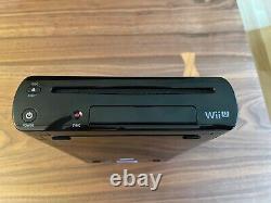 Wii U Deluxe 32GB Black. GamePad, Console Good Condition