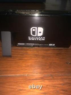Commutateur Nintendo 32gb (console Seulement) Utilisé! Bon État