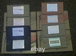 Lot Of Four Nintendo Ds Lite Avec Ac Charger Très Bon État Avec Box
