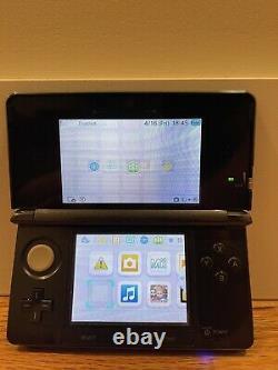 Nintendo 3ds Bundle Good Condition 2 Jeux (mario Kart 7 Et Pokémon Moon.)