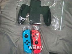 Nintendo Commutateur Neon Neon Rouge Et Bleu Joy-con Console 32gb D'occasion Bon État