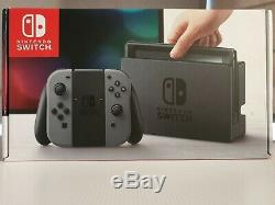 Nintendo Console Switch Avec Les Contrôleurs Joy-con Gris Bonne Condition