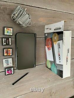 Nintendo New 3ds XL 4 Go Black Handheld System Et 5 Jeux Aussi! Très Bonne Forme