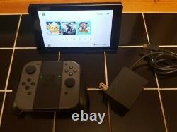 Nintendo Switch 32 Go Gris Console W Gris Joy-cons Utilisé V1 Bonne Forme Oem Grip