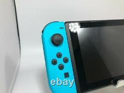 Nintendo Switch 32 Go Très Bon État Avec Fintie Case + Accessoires