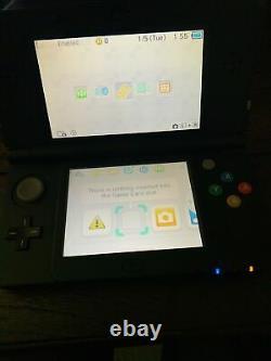 Nouvelle Console Nintendo 3ds 4 Go Noire À Main Très Bon État + Jeux