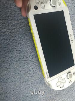 Playstation Ps Vita Slim LCD 2000 Blanc Lime Jaune 3.60 Fw Bon État 256 Go