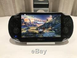 Ps Vita Playstation Vita Bon État Avec Des Accessoires Et Des Jeux Model Pch-1101