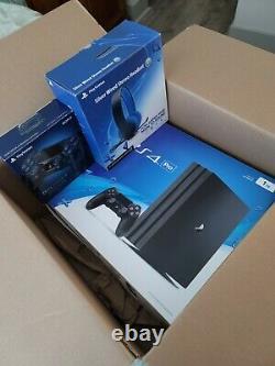 Ps4 Pro 1tb Utilisé En Très Bon État Avec Des Accessoires Sony Originaux