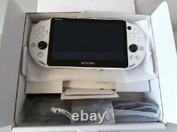 Sony Ps Vita Pch-2000 Za22 Glacier White Wi-fi Modèle Very Good Condition