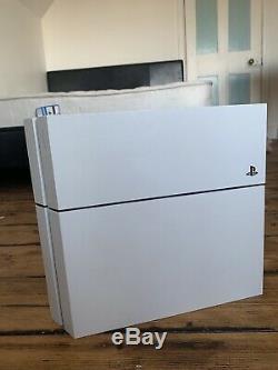 Sony Ps4 Console Blanche En Bon État De Fonctionnement
