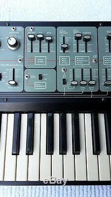 Vintage (1975) Synthétiseur Roland Modèle System-100 101 Synthétiser, Bon État
