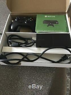 Xbox One Console 1to Est Livré Avec 1 Contrôleur Et 4 Jeux Très Bon État