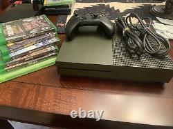 Xbox One S Bundle 1 To Military Green-good Condition, Avec Jeux Et Contrôleur