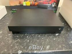 Xbox One X 1tb Console Boxed En Bon État
